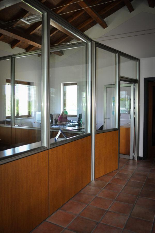 Pareti mobili in alluminio per abitazioni e uffici brescia for Mobili interni